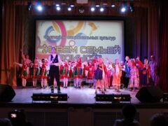 В Коврове состоялся фестиваль национальных культур «Живём семьёй единой»
