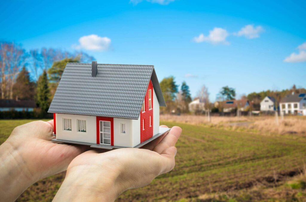 Об использовании участков земли под аварийными домами